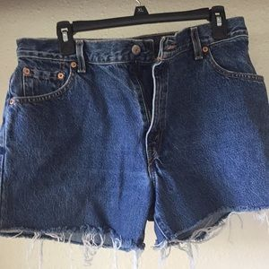 Levi's cutoffs 550 relaxed